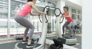 Zjistěte, zda cvičením na vibračních plošinách skutečně zhubnete
