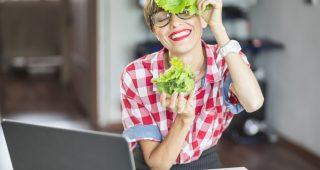 V práci plná energie díky pohybu a správné stravě