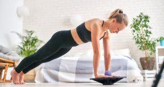 Jednoduché cviky na doma pro zachování svalové hmoty