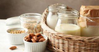 Mléko a jeho rostlinné náhražky ve zdravém jídelníčku